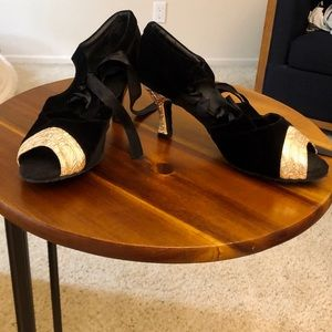 Size 9.5 Dancing Shoes